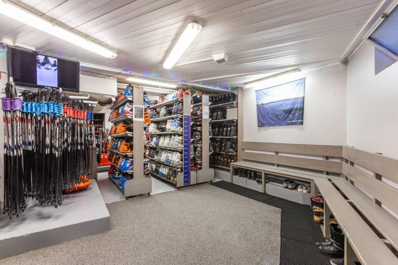 Equipment, ski rental